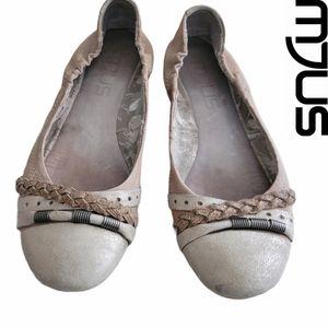 MJUS Leather Ballerina Flats